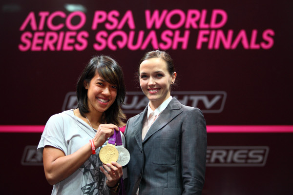 Nicol David with Victoria Pendleton. Picture by JORDAN MANSFIELD (www.jordanphoto.co.uk