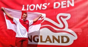 Nick Matthew carries the flag for Team England