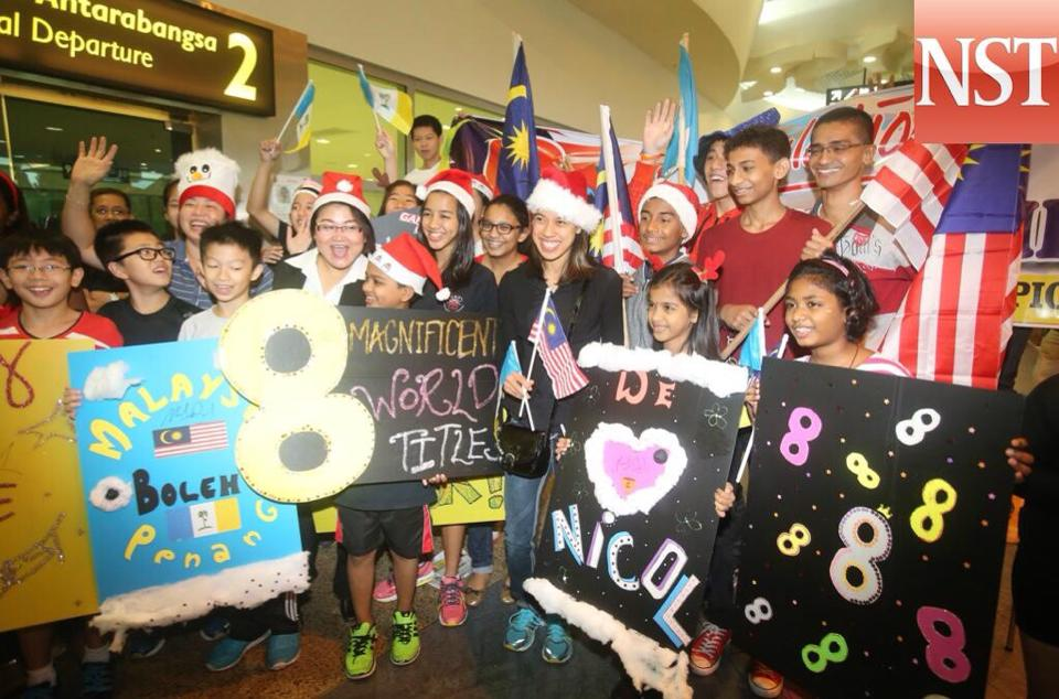 Squash fans welcome world champion Nicol David home to Penang