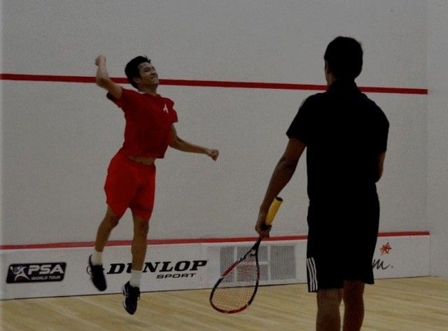 Alfredo Avila jumps for joy after beating Saurav Ghosal