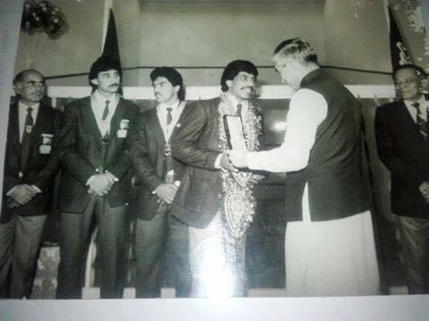 Pakistan's men's team who won the World Teams in 1985 (l-r) coach Umar Daraz , Umar Hayat Khan, Sohail Qaiser and Jahangir Khan