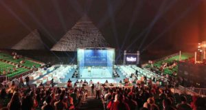 World number ones turn on power at the Pyramids