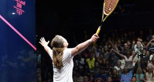 Tesni Evans topples top seed Laura Massaro to reach Commonwealth Games semi-finals