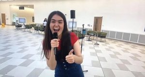 Front line worker Hannah sings her heart out to give UK a lift during epidemic